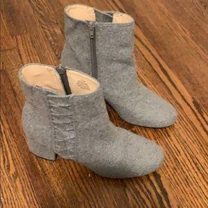 Nine West grey booties